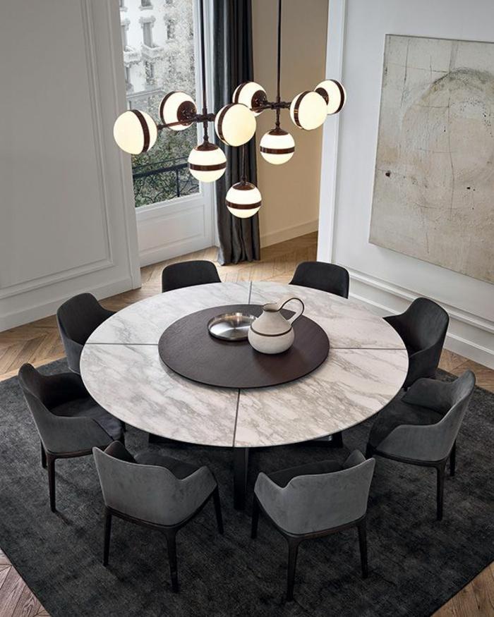 Sitzungstisch-rund-stilvoll-fein-Marmor-elegante-Stühle