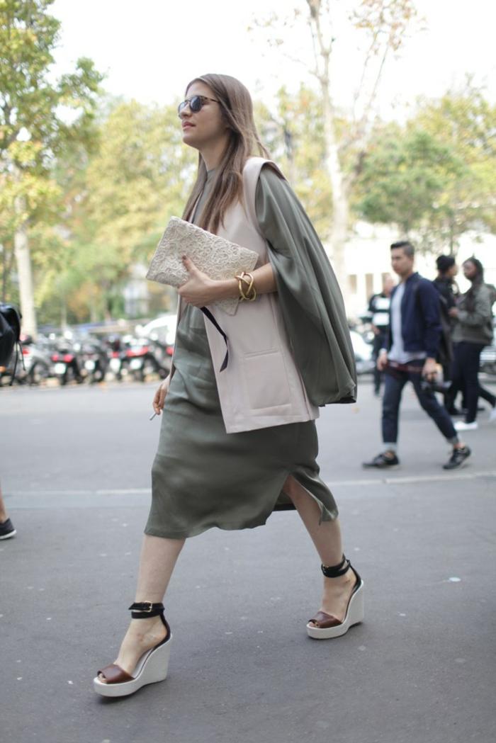 Skandinavishe-Mode-auf-der-Straße-frau