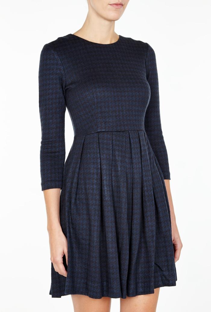 Skandinavishe-Mode-kleid-kariert