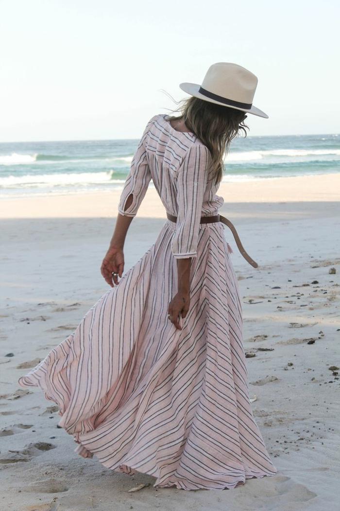 Strand-romantische-Atmosphäre-maxi-boho-kleid-Streifen-Gürtel-Hut-Creme-Farbe