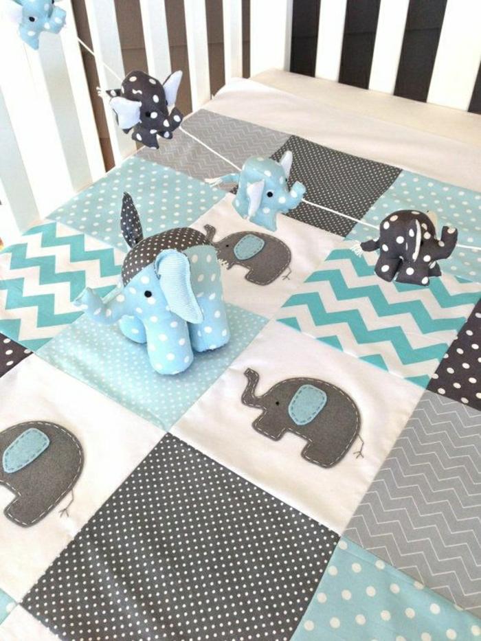 Tagesdecke-Patchwork-Elefanten-blau-grau-weiß-schwarz