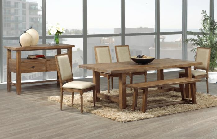 Tisch-mit-Stühlen-aussicht-bank