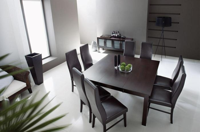 Tisch-mit-Stühlen-bordo-apfel