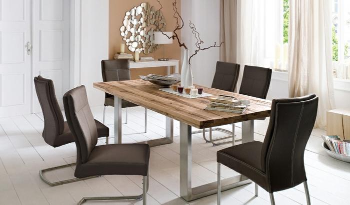 Tisch-mit-Stühlen-holz-metal-leder