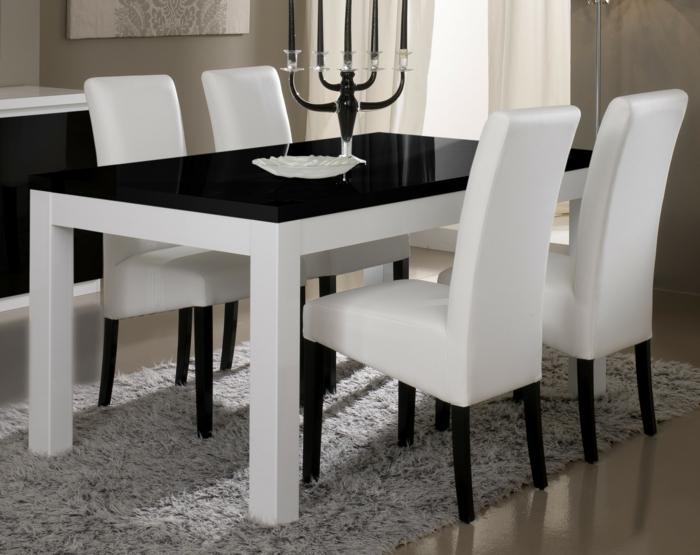 Tisch-mit-Stühlen-kerzenhalter-deko-glanz