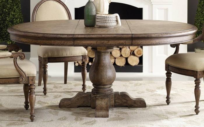 Tisch-mit-Stühlen-massive