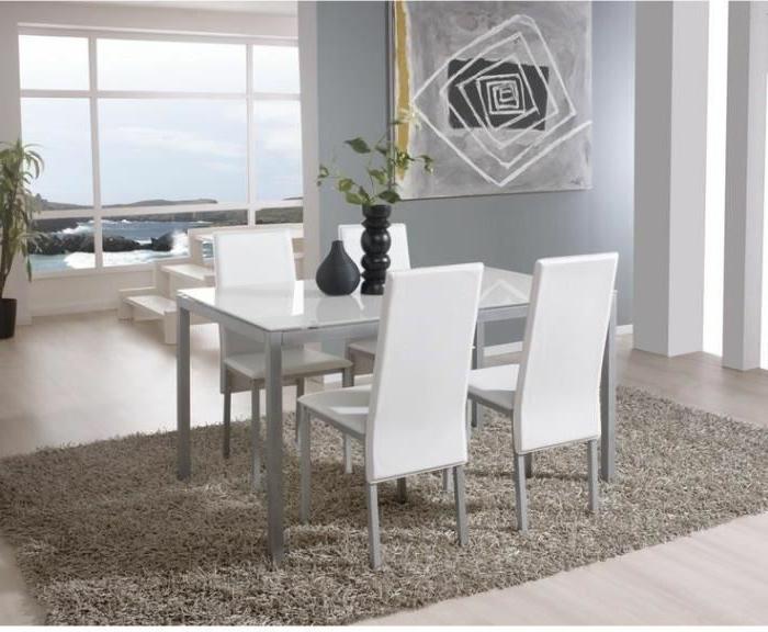Tisch-mit-Stühlen-weiß-grau