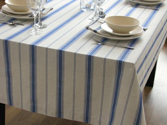 Tischdecke-aus-Leinen-schönes-Design-blaue-Streifen