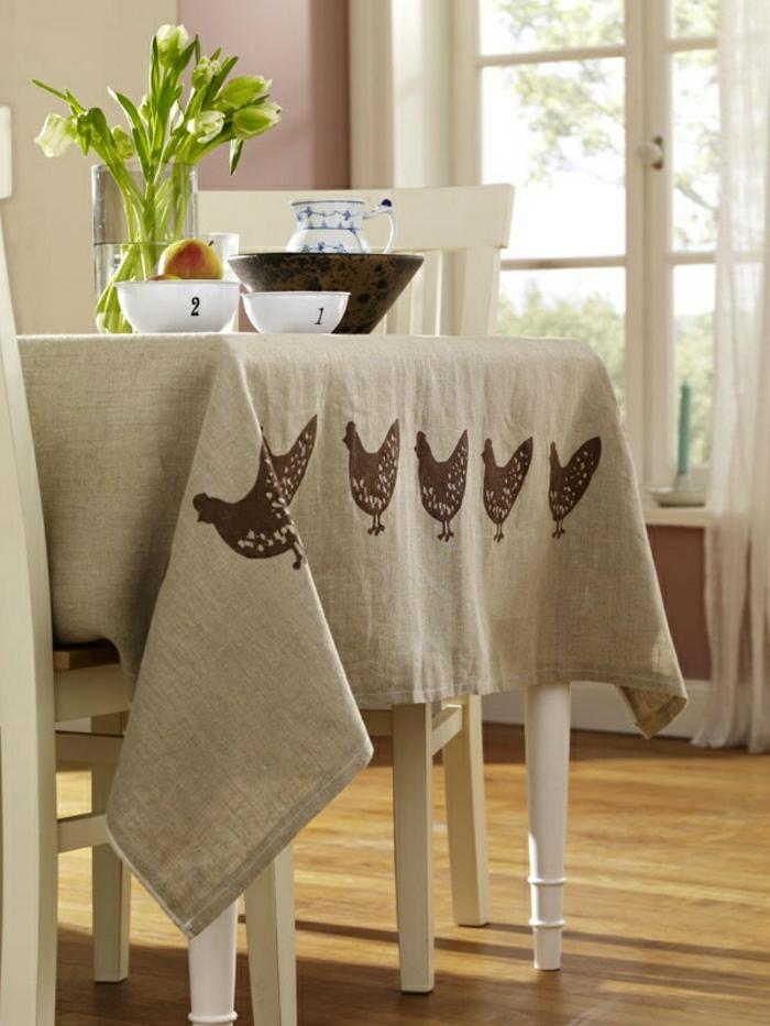 Tischdecke-naturales-Leinen-Hühner-Dekoration-Geschirr-Blumen