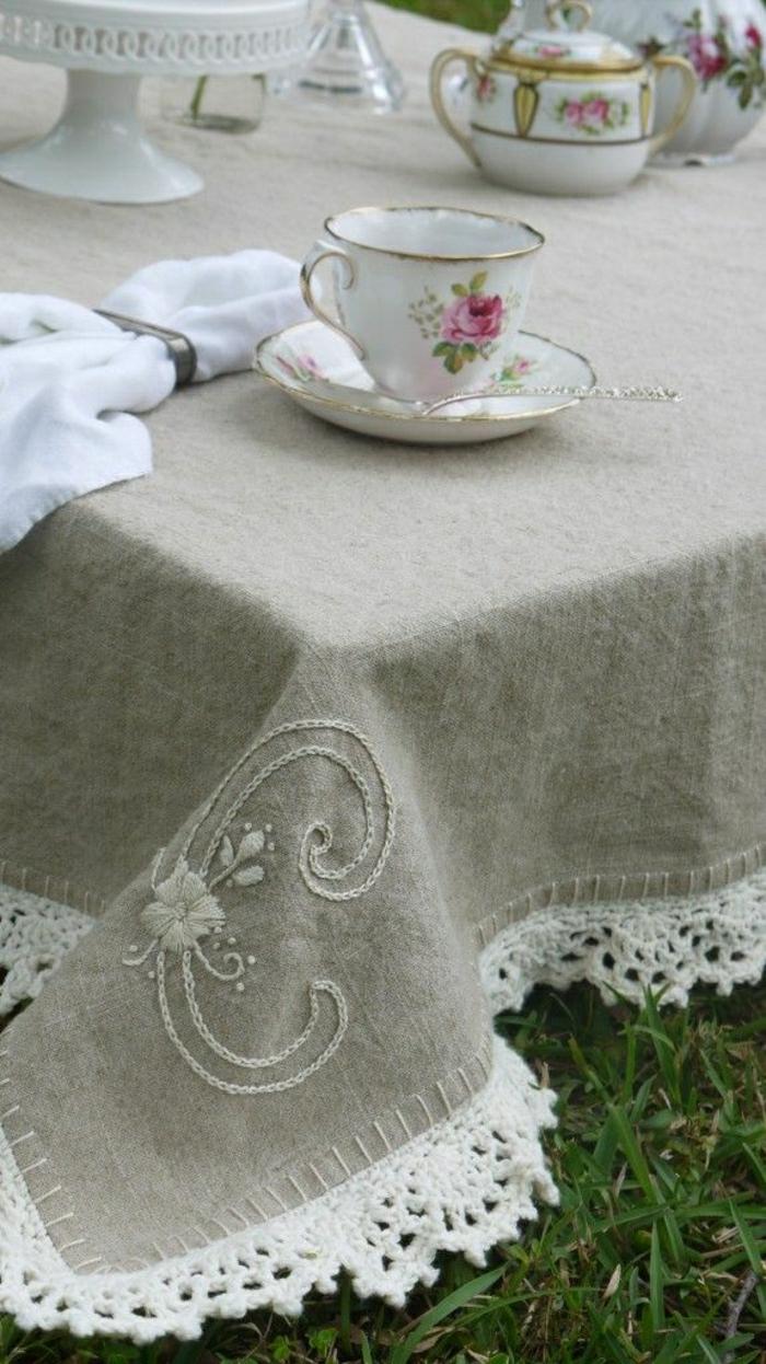 Tischdecke-naturales-Leinen-Stickerei-Strickerei-Teetassen-Porzellan