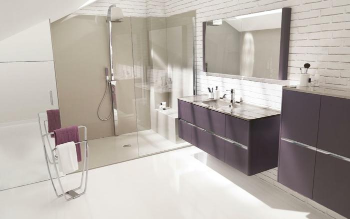 Wandschrank-für-Badezimmer-lila-glas-duschkabine