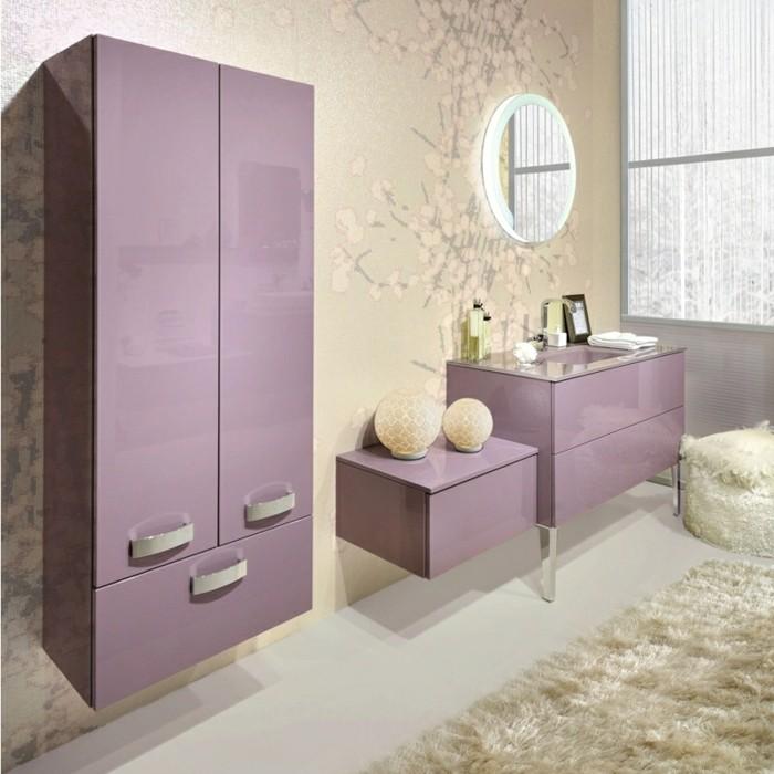Wandschrank-für-Badezimmer-lila-hell