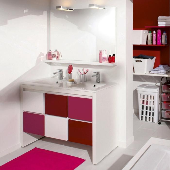 Wandschrank-für-Badezimmer-rosig-und-weiß