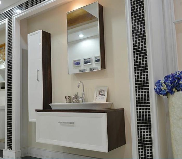 Wandschrank-für-Badezimmer-wanddekor