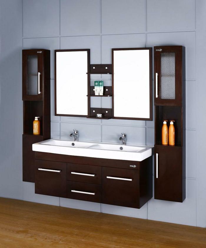 Wandschrank-für-Badezimmer-zwei-unterschrank