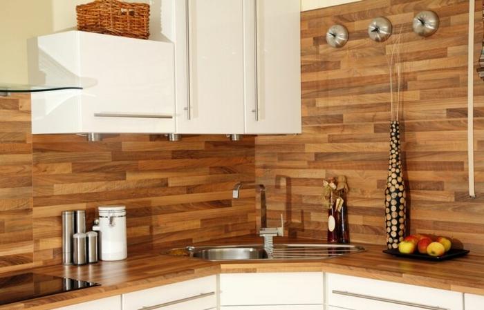 Wandschrank-für-Küche-Arbeitsplatte-aus-Laminat-Becken-ecke