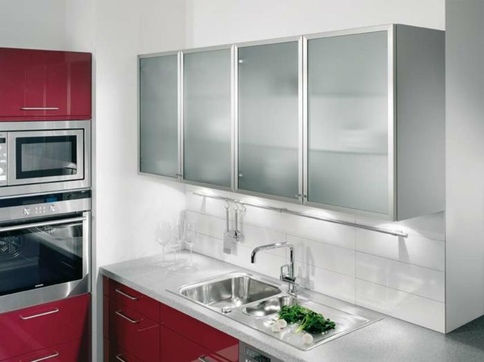 Wandschrank-für-Küche-aluminium-rahmen
