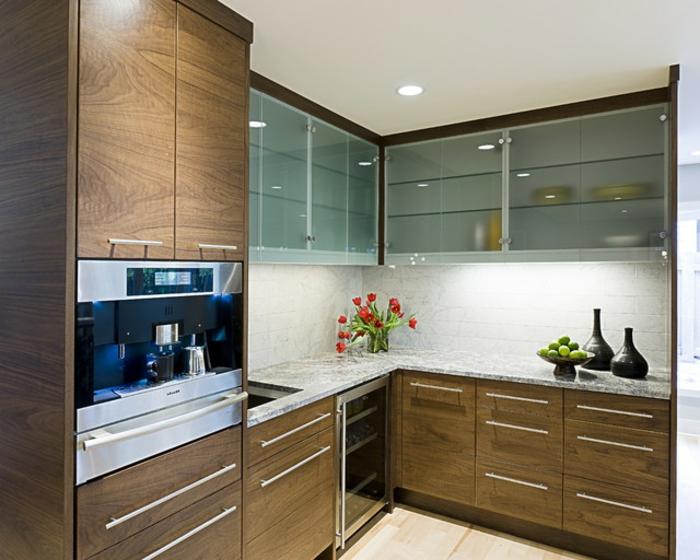 Wandschrank-für-Küche-marmor-glas-holz