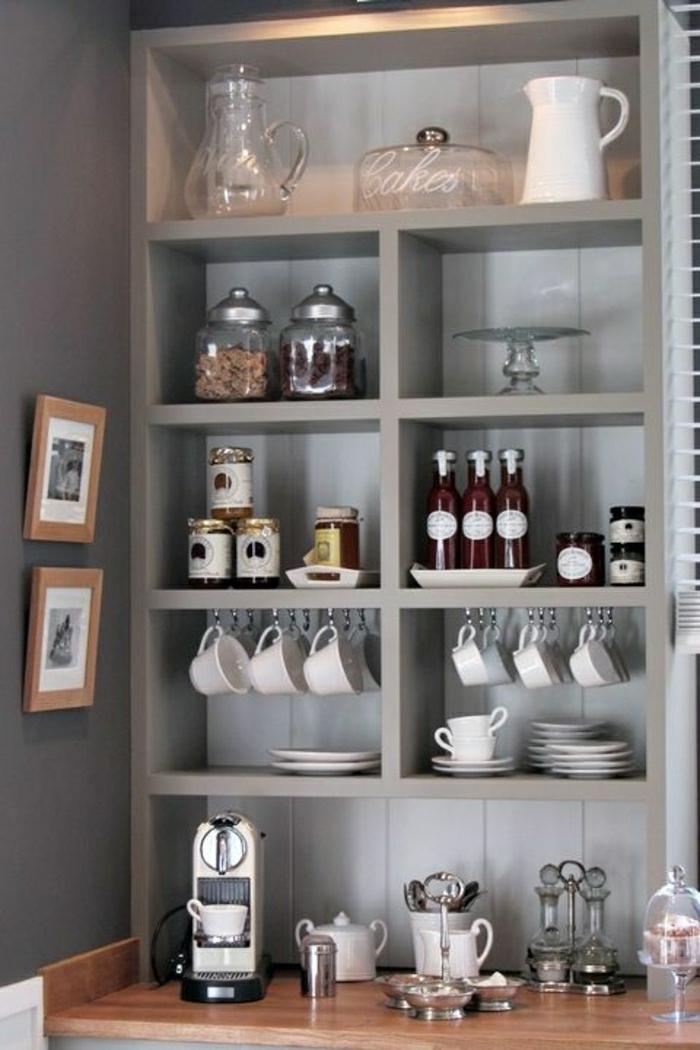 Wandschrank-für-Küche-tassen-resized