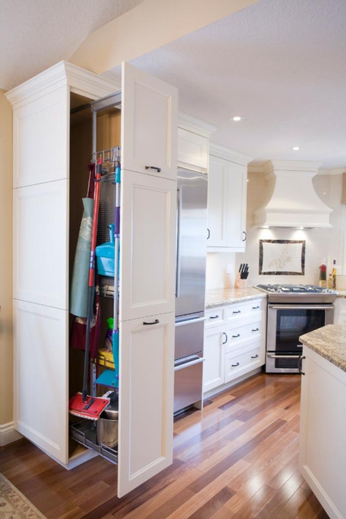 Wandschrank-für-Küche-traditionell