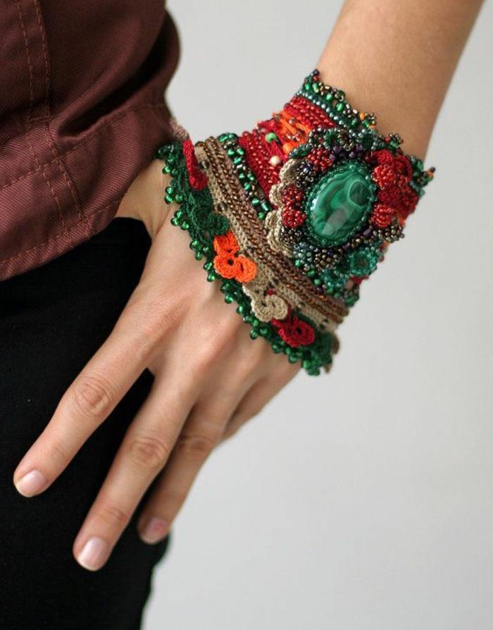accessoires-nähen-und-stricken-kreatives-modell-vom-armband
