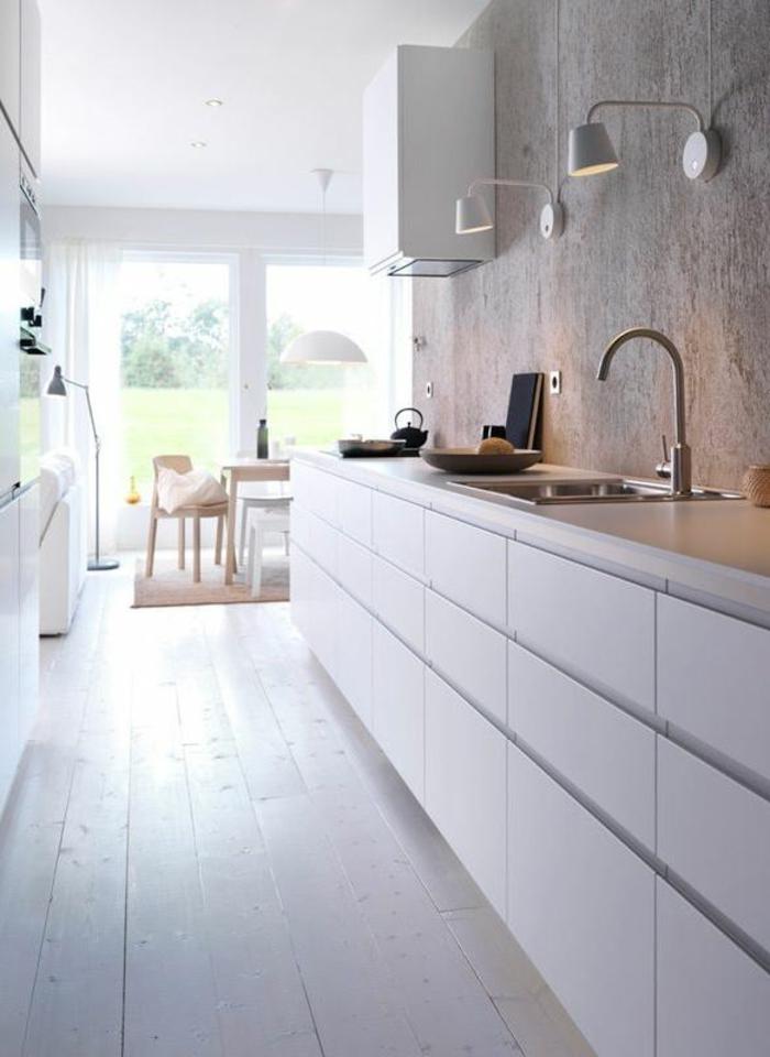 wandschrank-für-küche-holzern-Boden-weiß