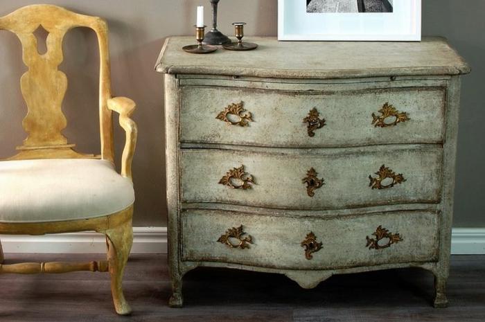 authentische-Barock-Möbel-schwedisches-Design-Kommode-Stuhl
