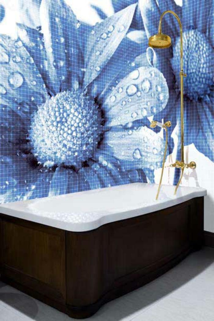badezimmer-mit-mosaik-floralmotive-ganz-interessant