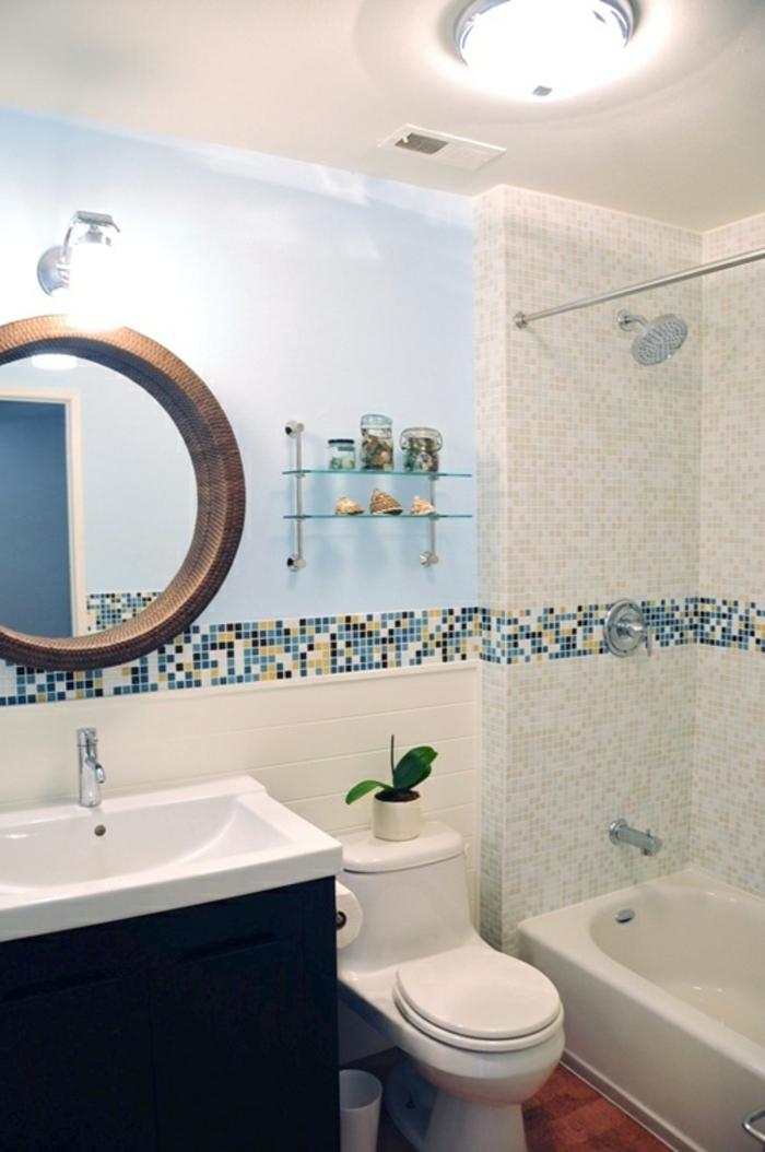 badezimmer-mit-mosaik-lustiges-aussehen-runder-spiegel
