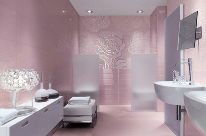 badezimmer-mit-mosaik-rosige-farben