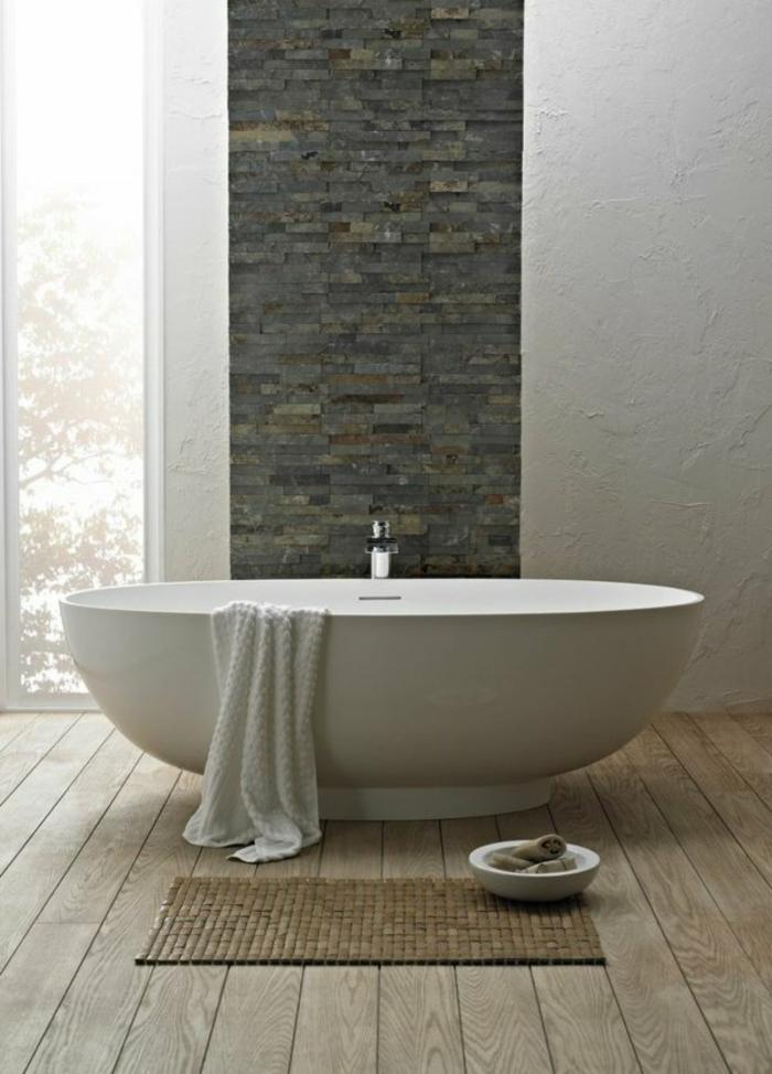 badezimmer- teppich-Bad-inspiriert-Zen-Steinbadewanne