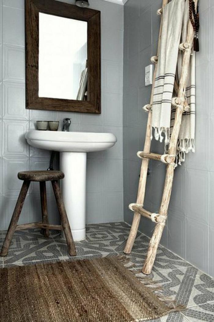 badezimmer- teppich-braun-ländlich-klein
