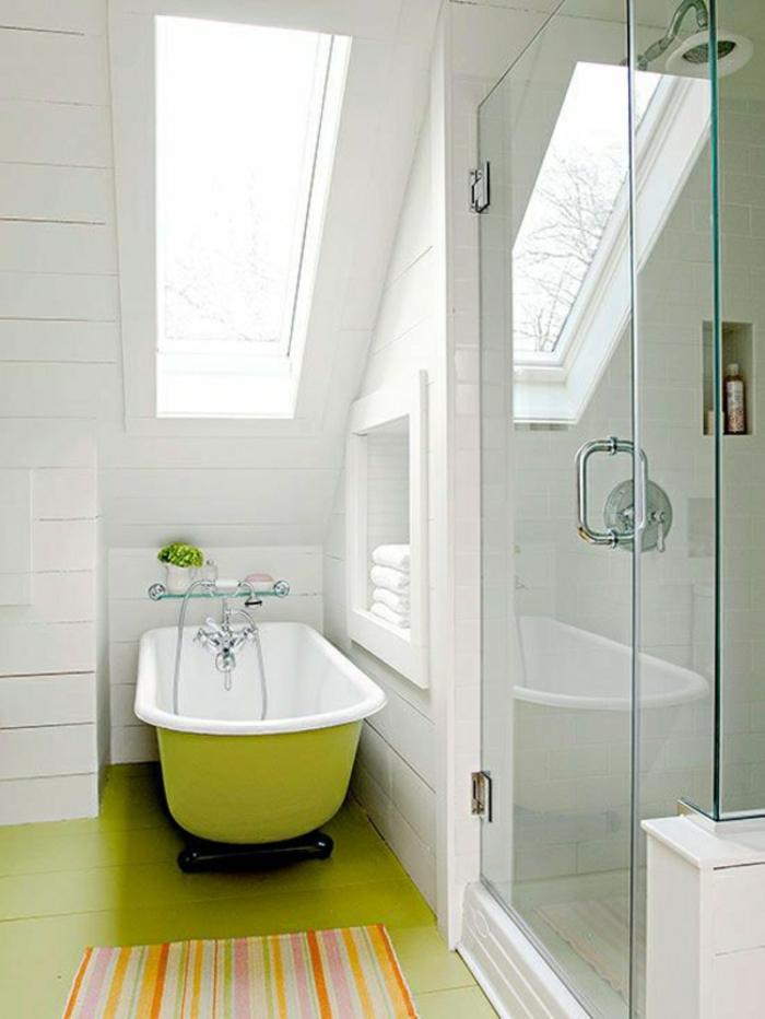 badezimmer-teppich-grüne-badewanne