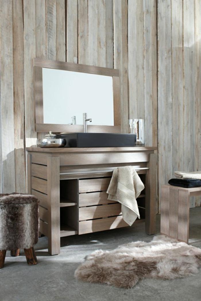 Badezimmer - Teppich hölzerne badezimmer Möbel im Landhaus Bad