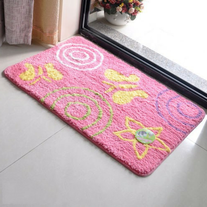 badezimmer- teppich-motive-rosig
