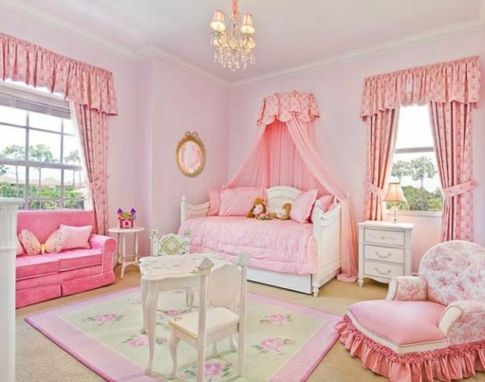 barbie- haus-teppich-bett-sofa
