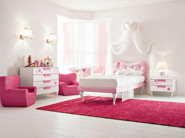 barbie- haus-weiß-rosa-teppich