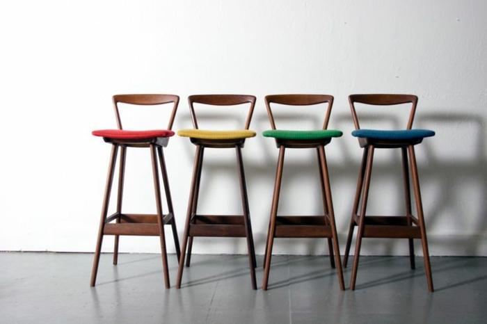 barhocker-mit-lehne-Holz-verschiedene-Farben-dänisches-Design