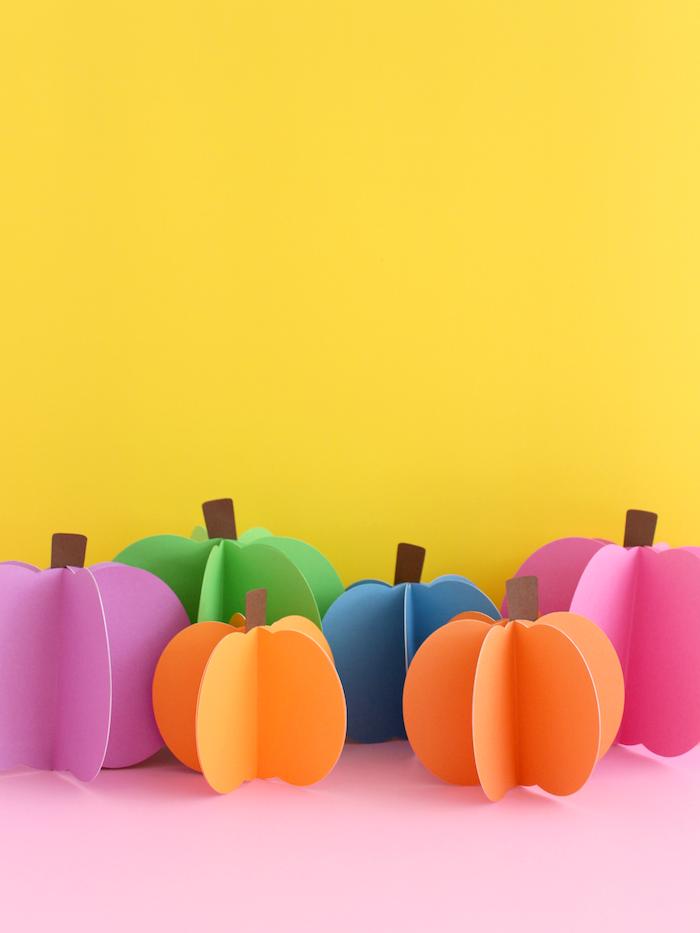 Bunte Kürbisse aus Papier basteln, coole Ideen für Herbstbasteln mit Kindern