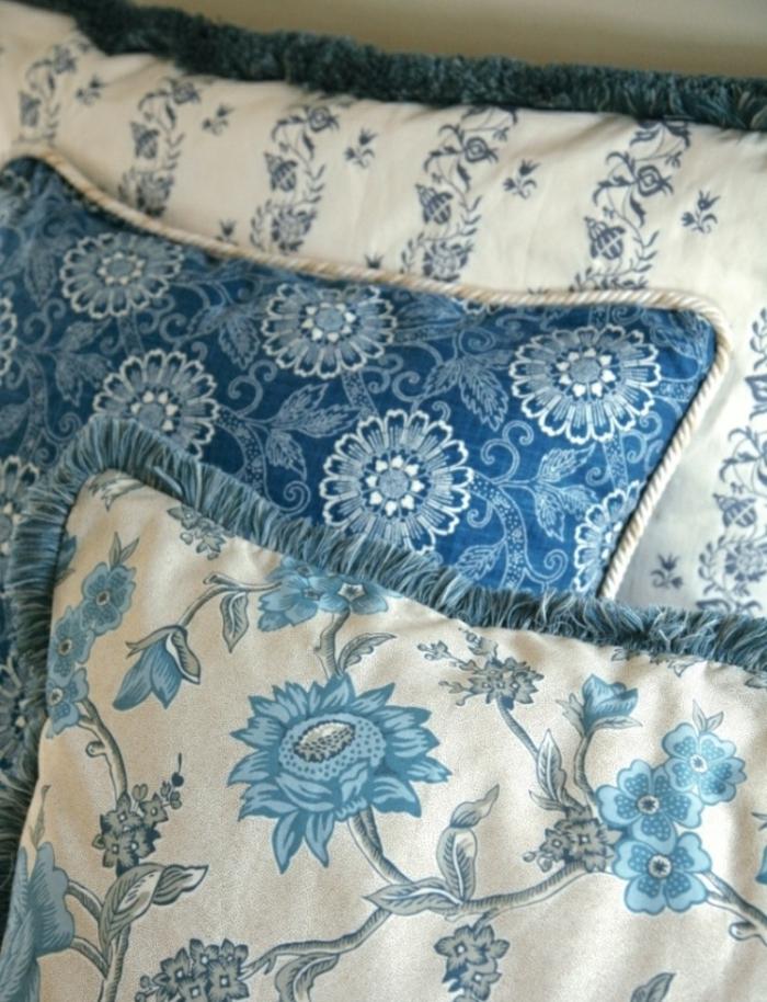 bettwäsche-in-blau-wunderschöne-kissen