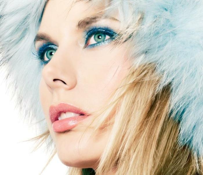 blaue-augen-betonen-blaues-schminken
