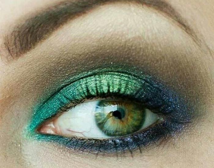 blaue-augen-betonen-grüne-schatten