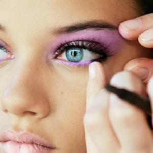 Blaue Augen betonen: ein paar coole Tipps!