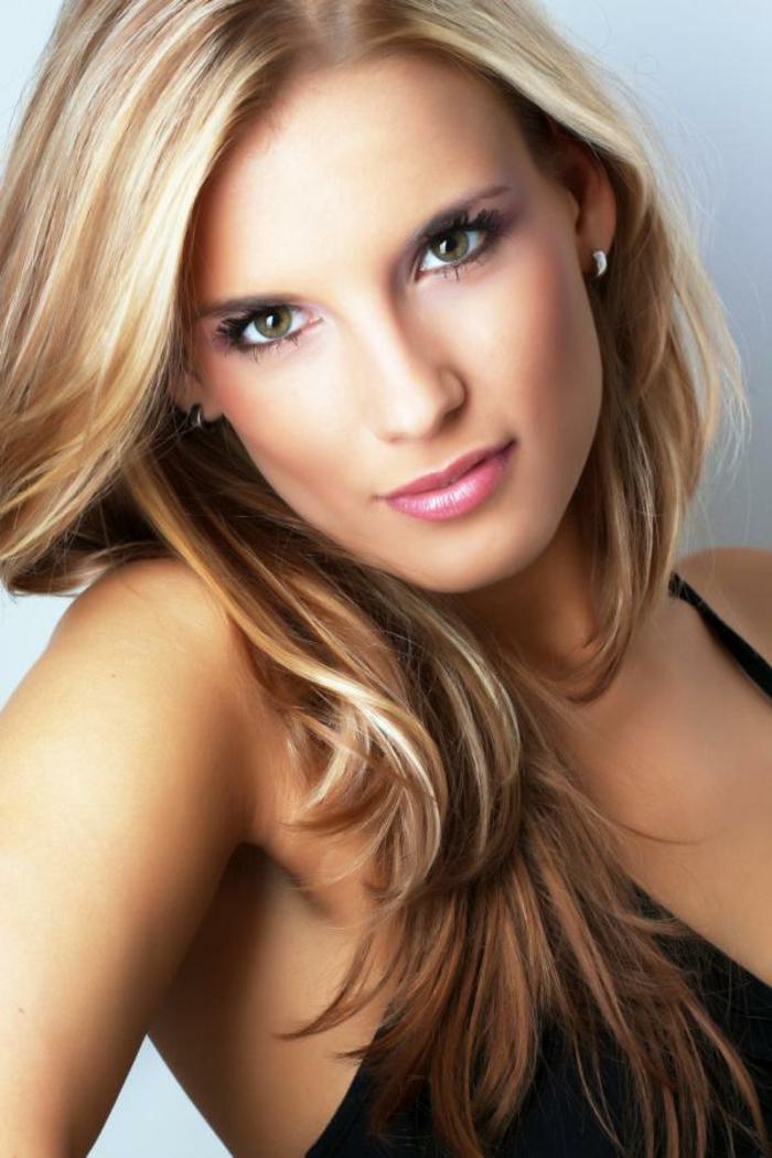 blonde-haare-sehr-schönes-aussehen