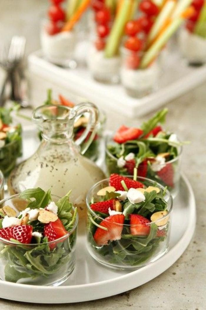buffet-ideen-erdbeeren-und-grüne-gemüse