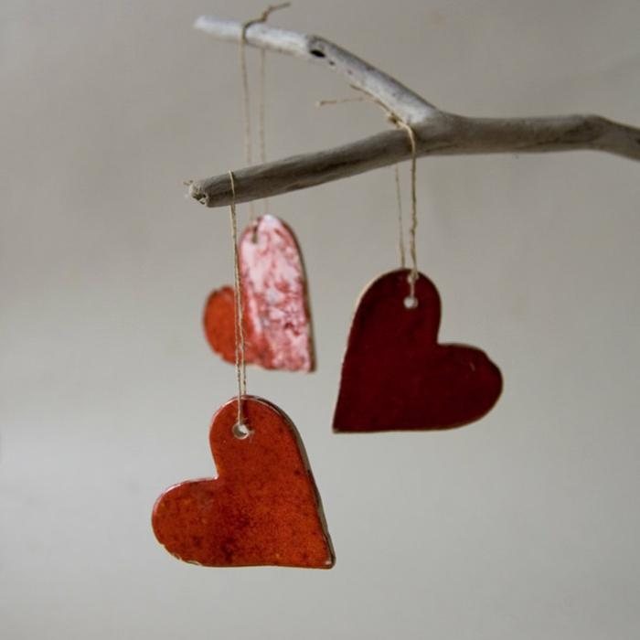 deko-herzen-drei-hängende-modelle