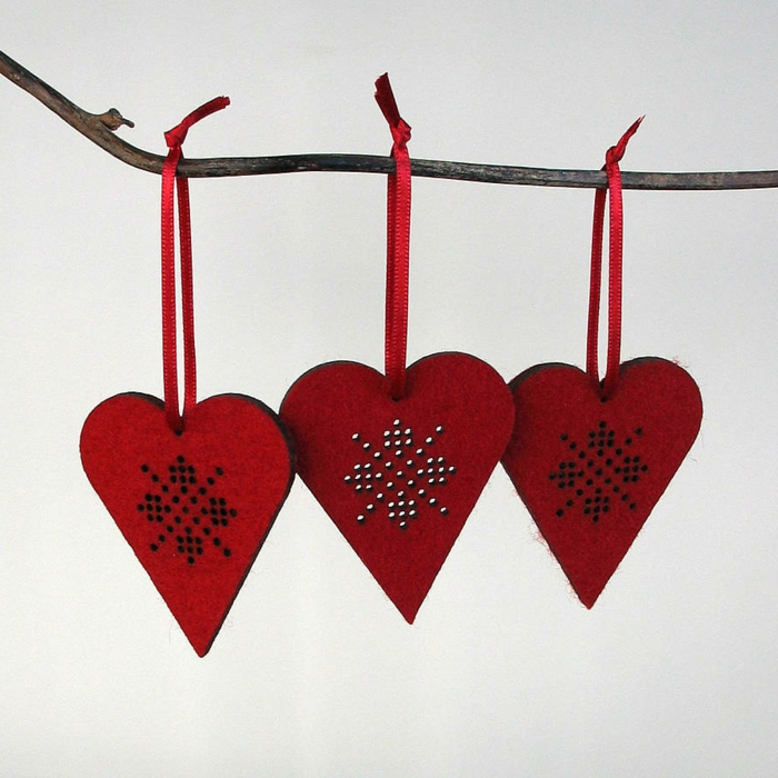 deko-herzen-drei-rote-modelle