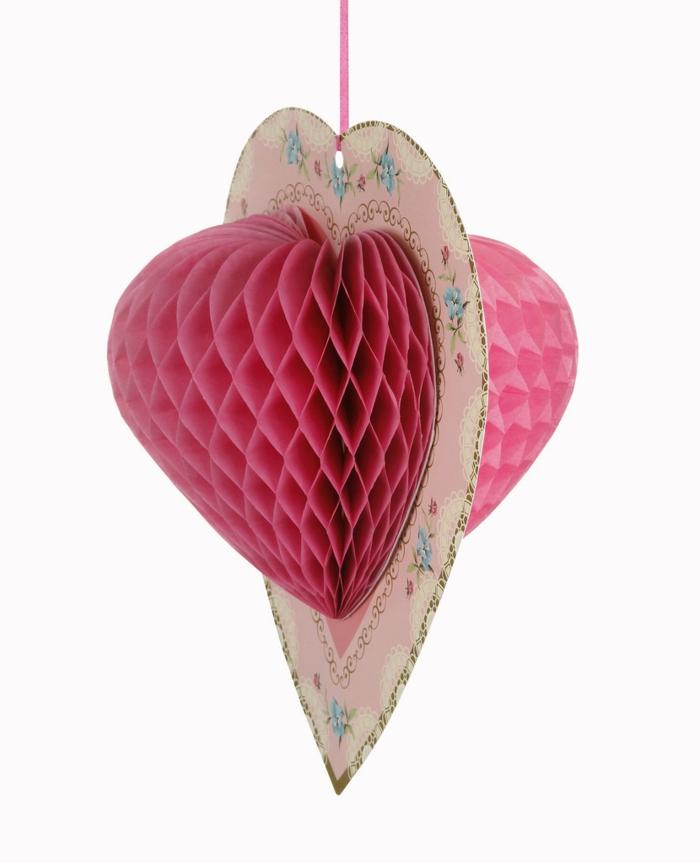 deko-herzen-rosiges-modell-aus-papier