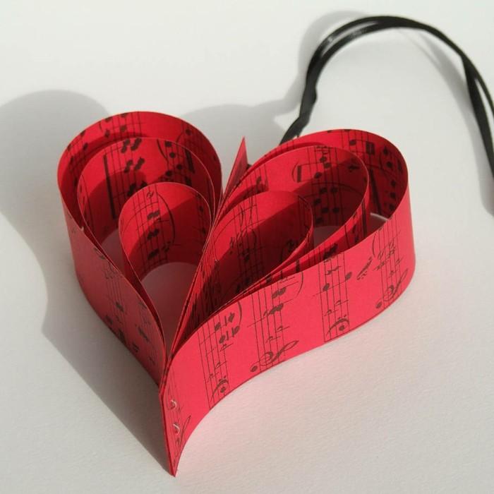 deko-herzen-rotes-modell-sehr-schön