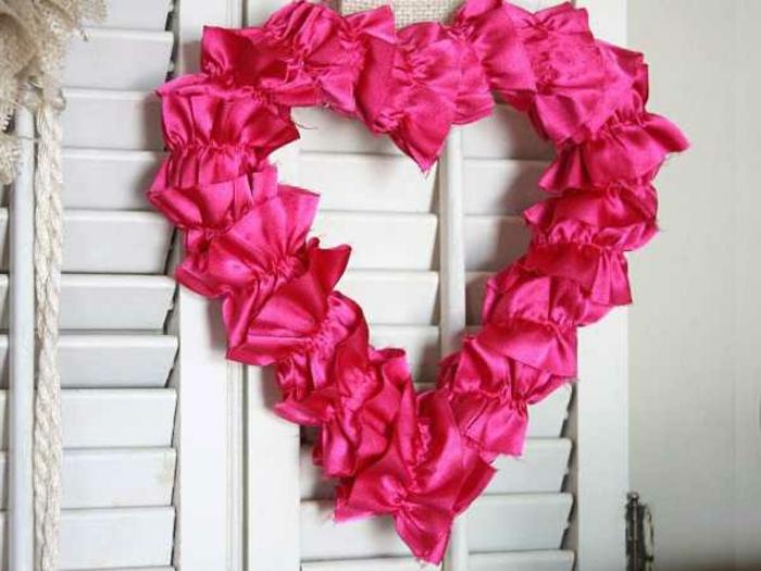 deko-herzen-süß - zyklamenfarbe für einen süßen look